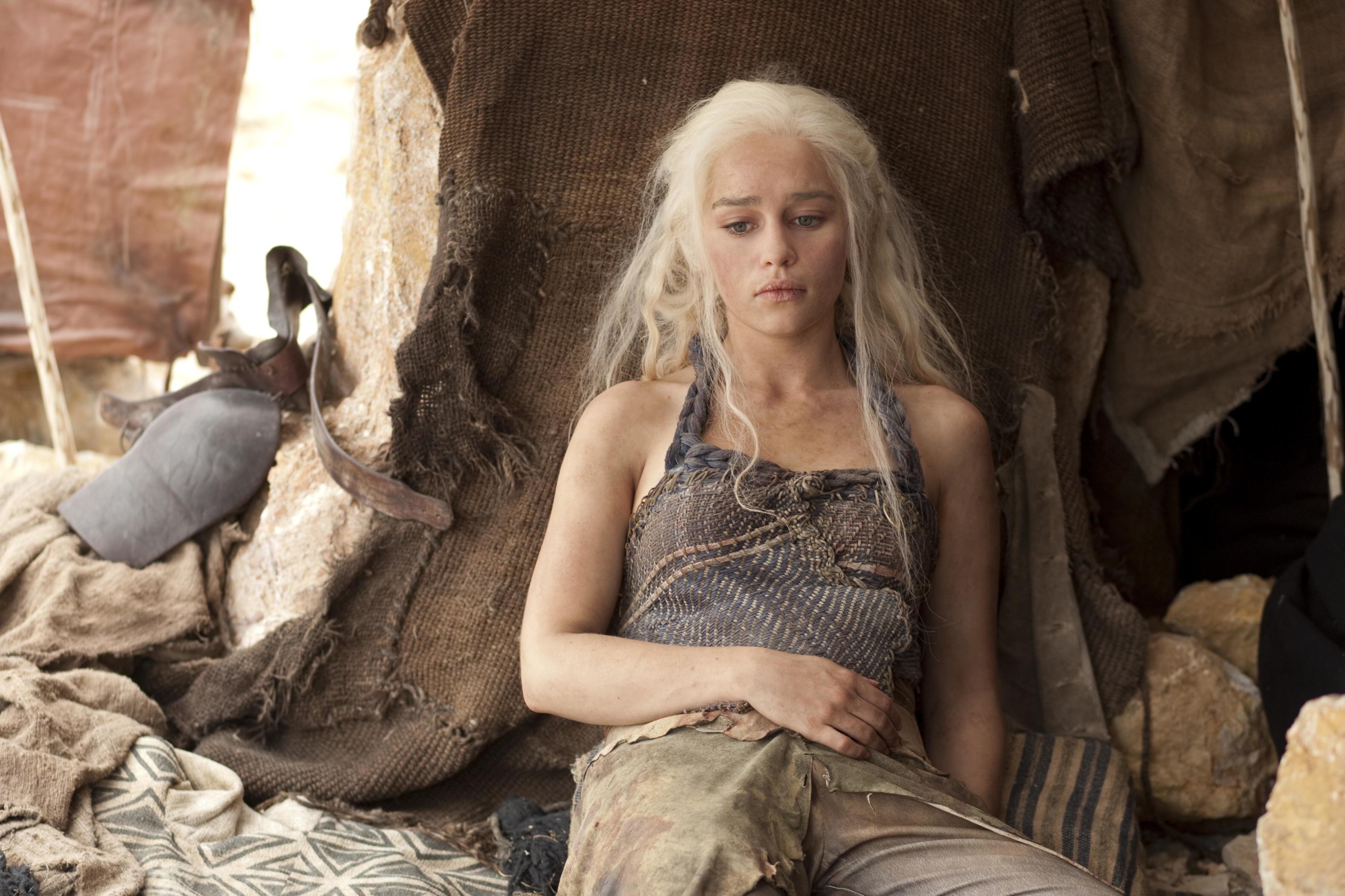 "Pin by Druidda on Daenerys Targaryen [Emilia Clarke] – ""Gra o tron""    Pinterest   Daenerys targaryen"