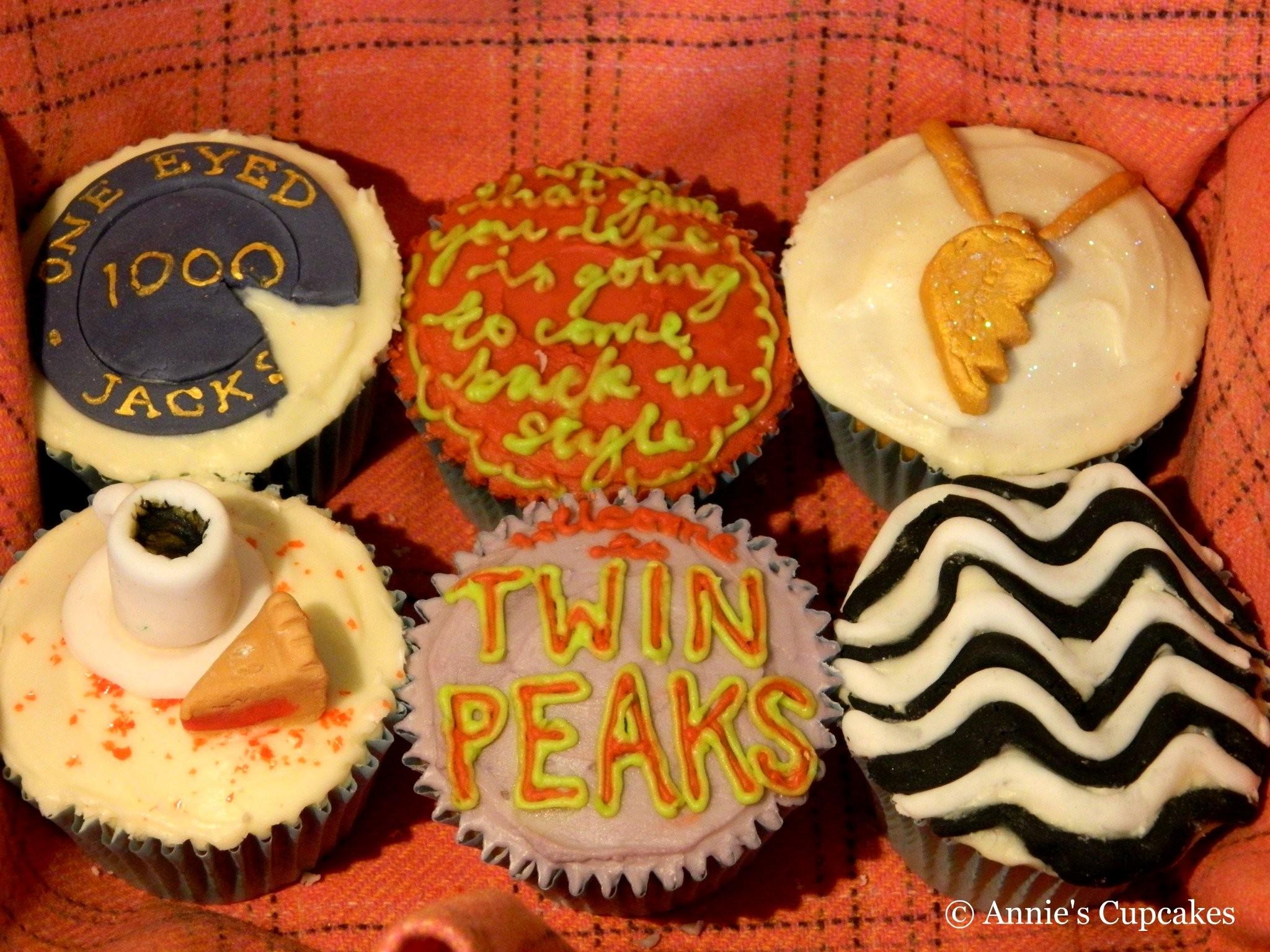 Annie's Cupcakes: Twin Peaks Cupcakes