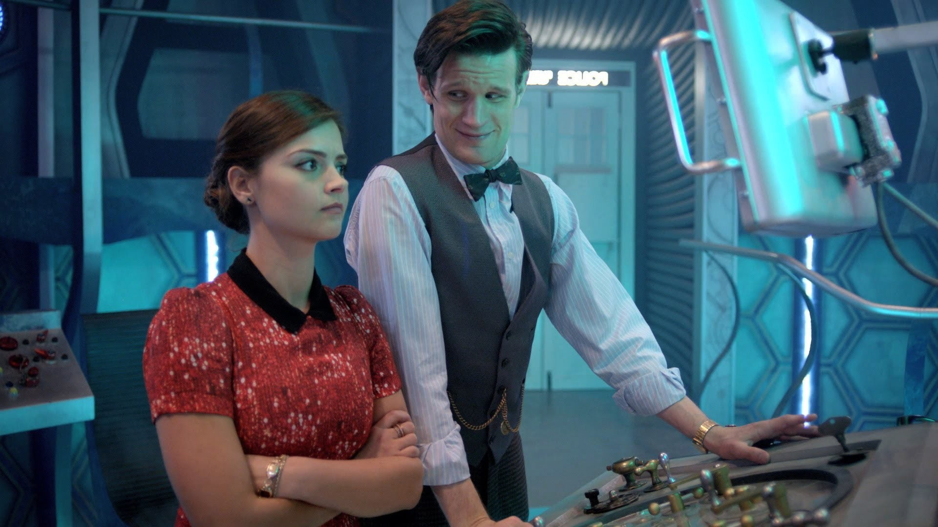 Behind the Scenes of Journey to the Centre of the TARDIS – Doctor Who  Series 7 Part 2 2013 – BBC One – YouTube
