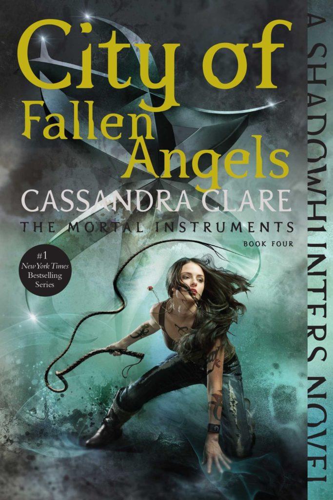 Amazon.com: City of Fallen Angels (The Mortal Instruments) (9781481455992):  Cassandra Clare: Books
