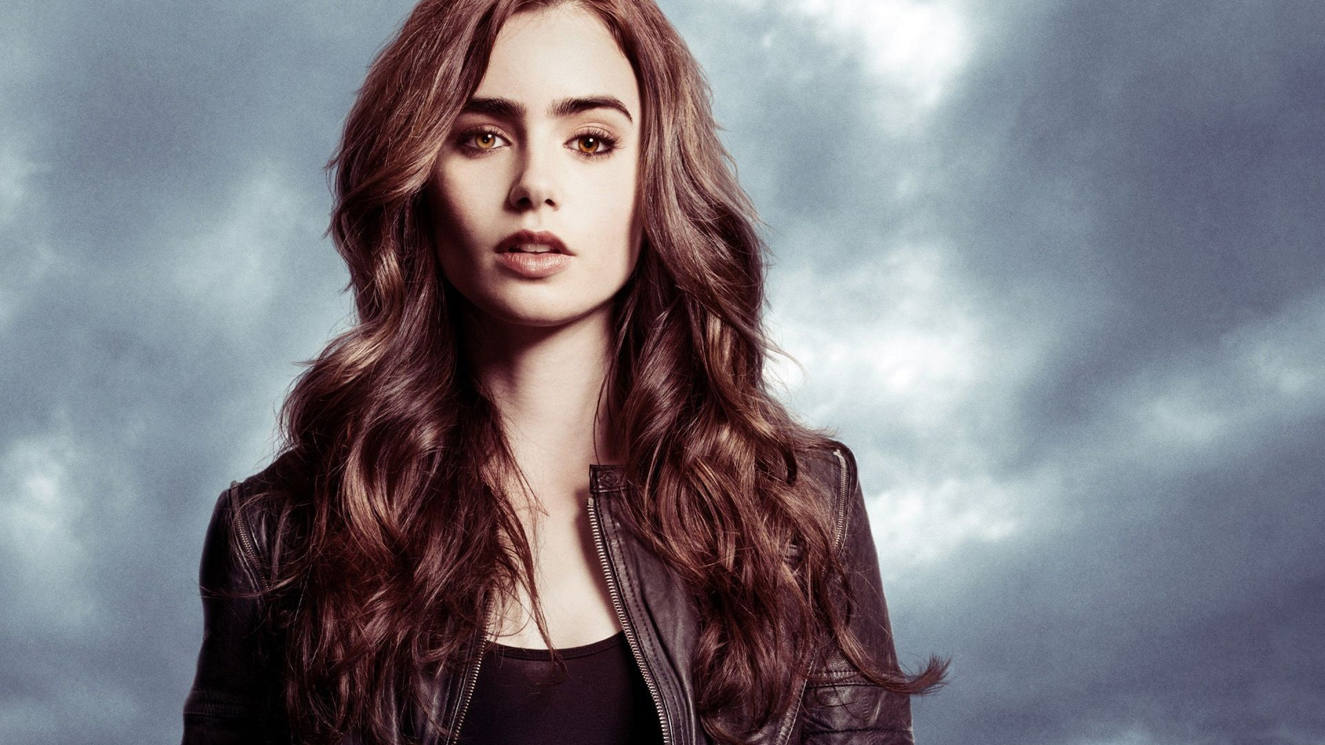 Lily Collins images Mirror Mirror HD wallpaper and