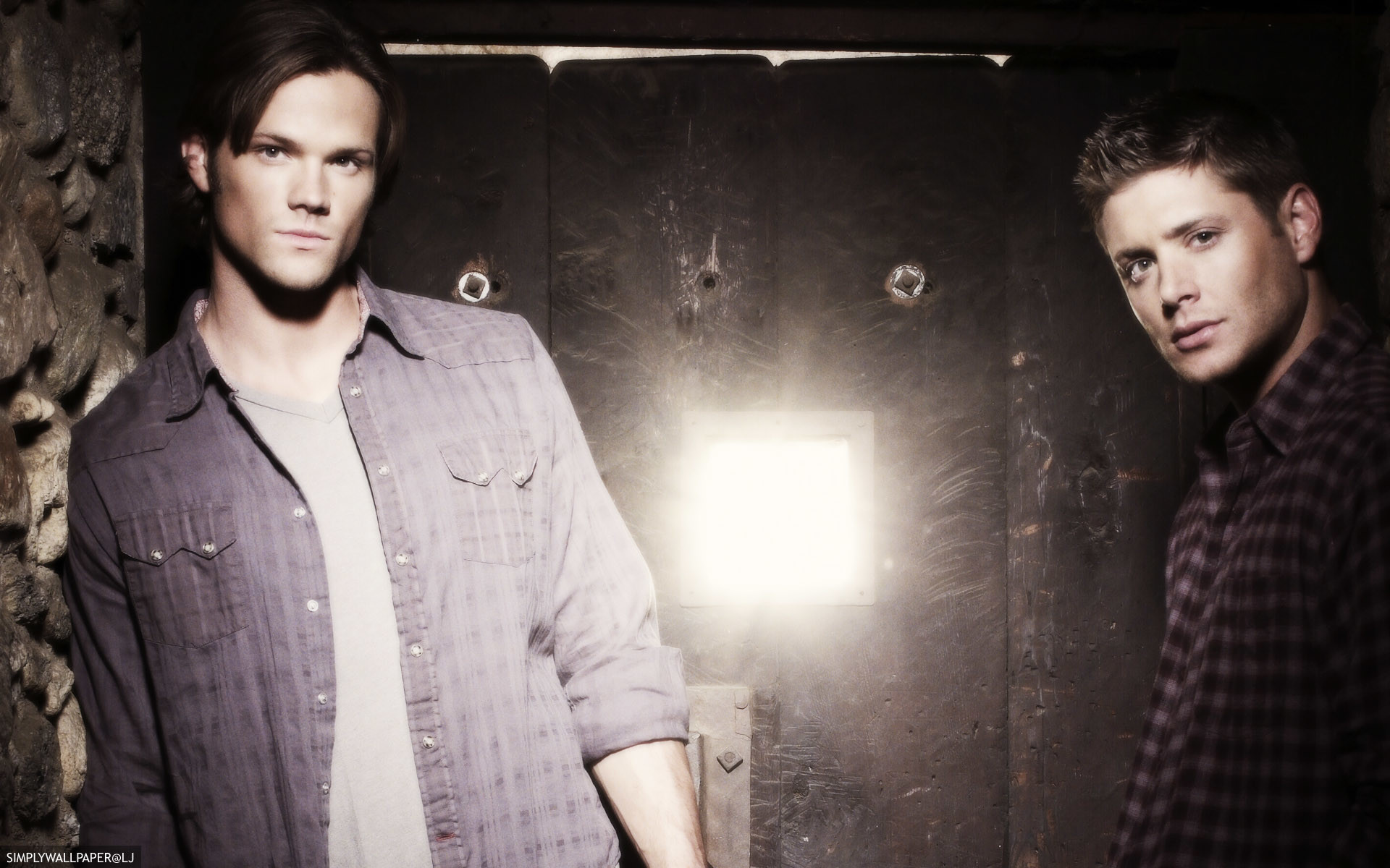 Supernatural desktop background / wallpaper – Sam and Dean Winchester –  credit: simplywallpaper@historyjunkie