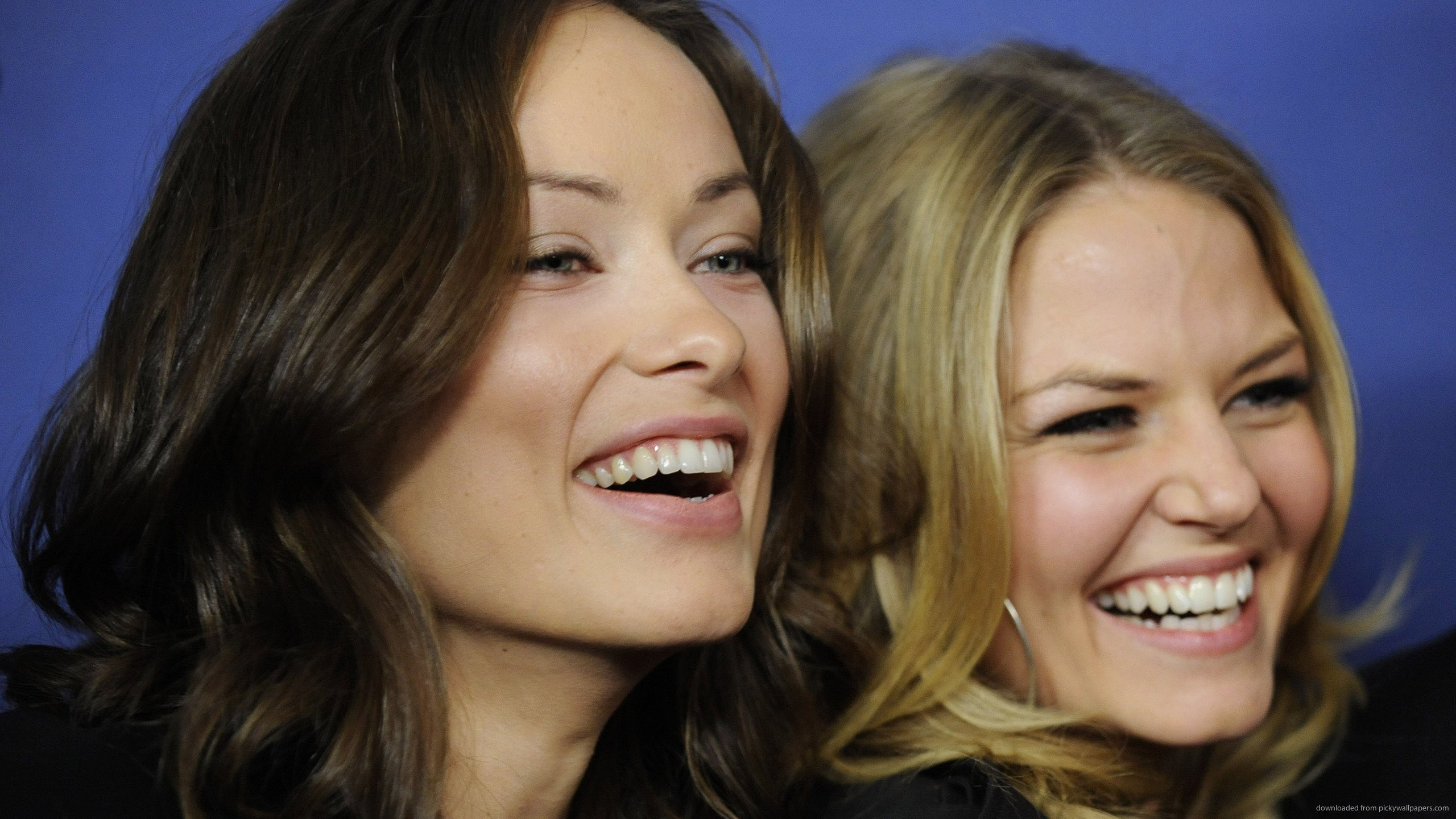 Olivia Wilde laughing with house md for 2560×1440